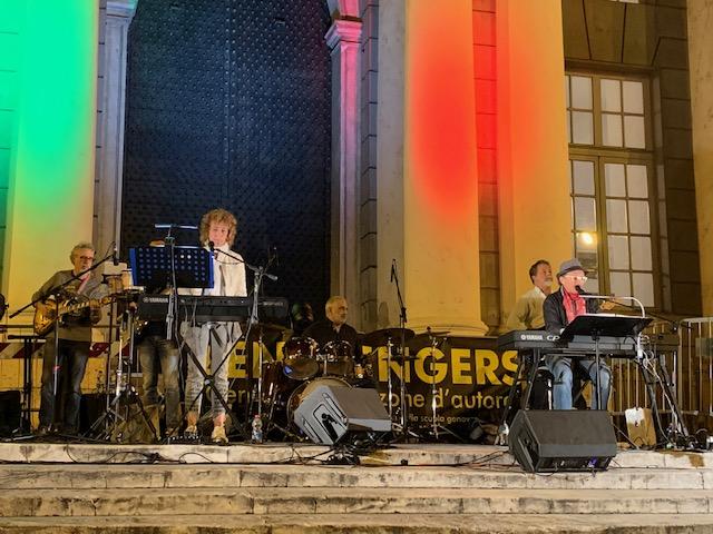 Zena Singers Band: Quando la canzone d'autore diventa teatro