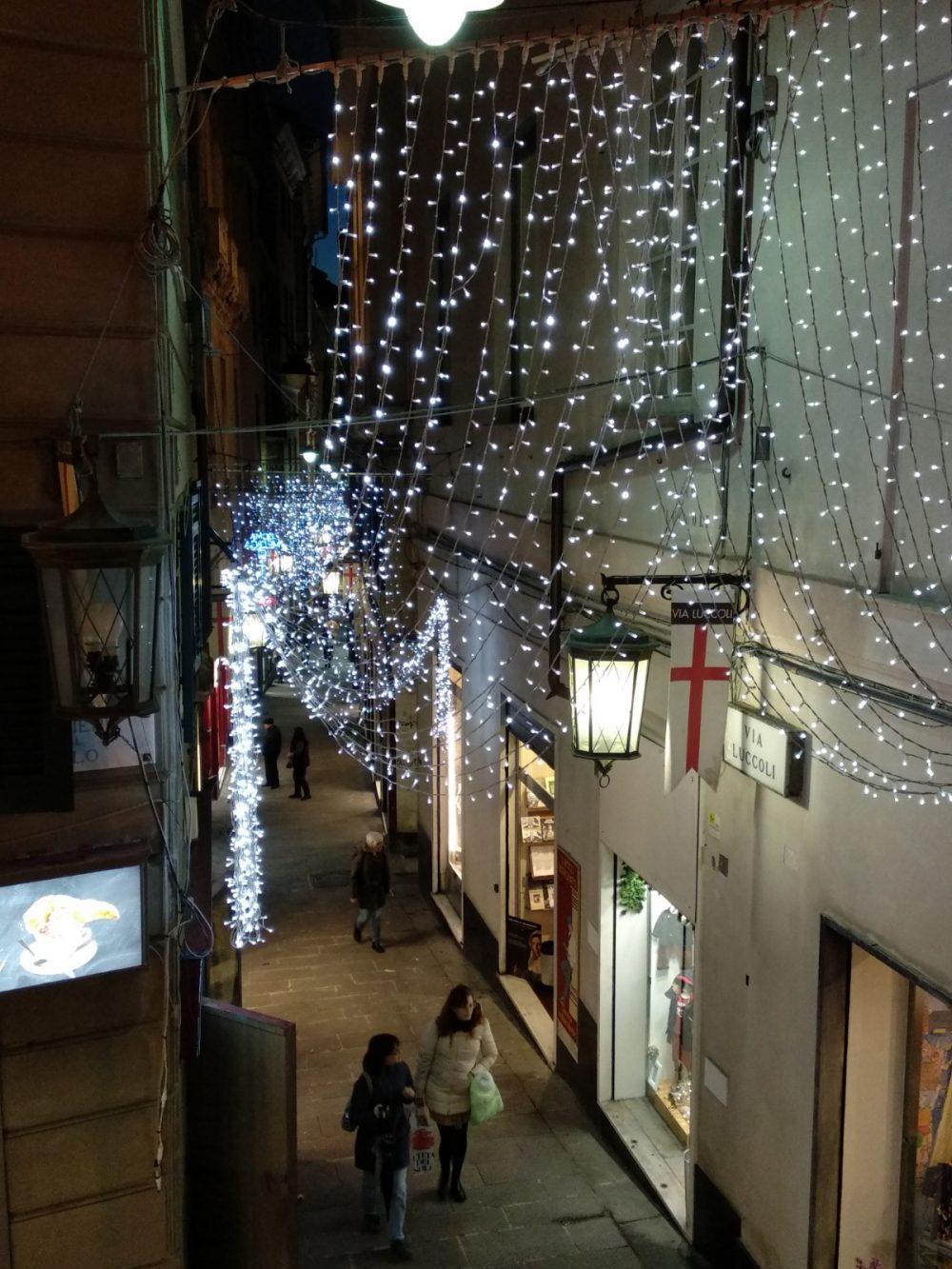Luci nel centro di Genova